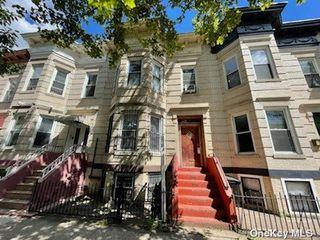 1644 Cornelia St, Flushing, NY 11385