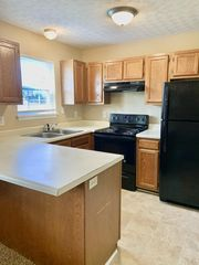 2051 Stonehenge Ave, Bowling Green, KY 42101