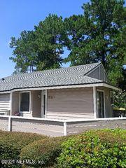 8333 Derbyshire Pl, Jacksonville, FL 32244