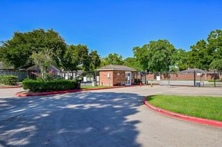 7027 Chasewood Dr, Missouri City, TX 77489