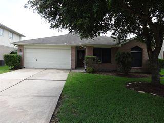 1423 Hunter Green Ln, Fresno, TX 77545