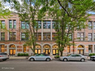 1660 N Hudson Ave #2A, Chicago, IL 60614
