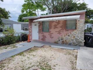 2475 NE 136th Ter, Miami, FL 33181