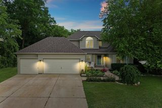820 Donnelly Pl, Mchenry, IL 60050