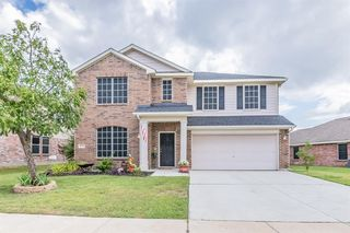 9232 Liberty Crossing Dr, Fort Worth, TX 76131