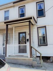 34 N Catherine St, Middletown, PA 17057