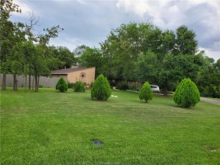 1819 Hondo Dr, College Station, TX 77840