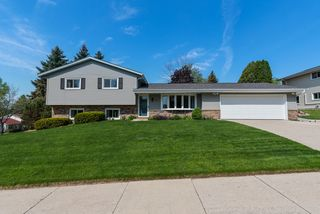 1506 Bluebell Dr, West Bend, WI 53090