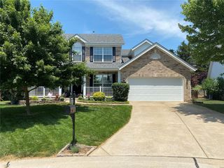 737 Whispering Forest Dr, Ballwin, MO 63021