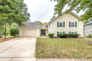15027 Isleview Dr, Chesterfield, MO 63017