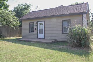 913 N Thompson St, Pratt, KS 67124