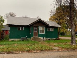 121 E 10th Ave, Webster, SD 57274