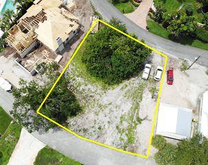 932 SE Riverside Dr, Stuart, FL 34996