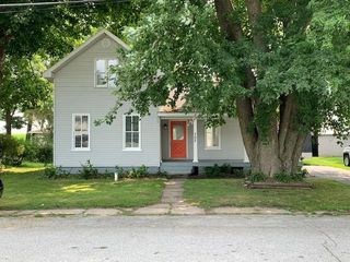 705 Union St, Union Mills, IN 46382