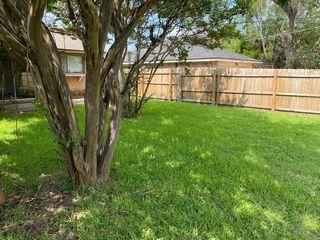 810 Brookhaven Dr, Lancaster, TX 75134