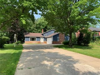 2816 Fowler Dr, Willoughby, OH 44094