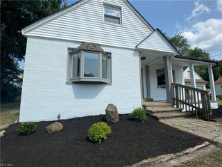 6109 Stearns Rd, North Olmsted, OH 44070