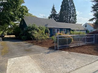 12504 SE Sherman St, Portland, OR 97233