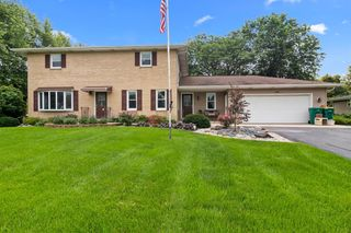8291 Windy Hill Ct, Hobart, IN 46342