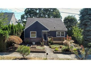 7534 SW View Point Ter, Portland, OR 97219