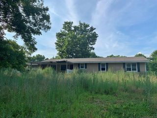 602 W Willis Rd, Tahlequah, OK 74464