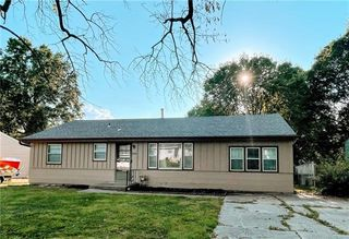 12905 E McCoy St, Independence, MO 64055