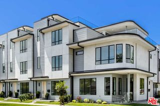 3277 S Barrington Ave, Los Angeles, CA 90066