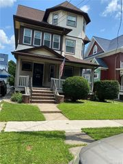 87-53 95th St, Woodhaven, NY 11421