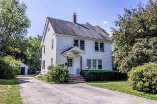 17 Railroad Ave, Rochester, NH 03839