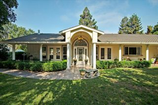 1519 Hillcrest Rd, Hollister, CA 95023