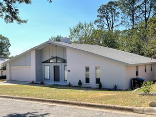 1612 Shadow Hill Dr, Fort Worth, TX 76112