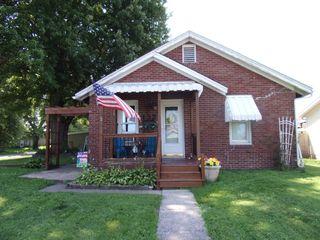 132 E Randolph St, Roodhouse, IL 62082