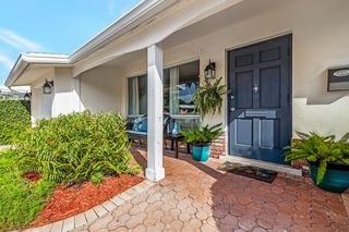 2211 NE 61st Ct, Fort Lauderdale, FL 33308