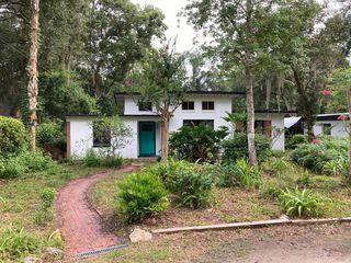 855 NE 7th Pl, Gainesville, FL 32601