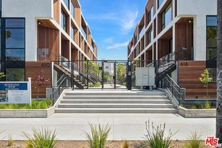 618 S Van Ness Ave #2, Los Angeles, CA 90005