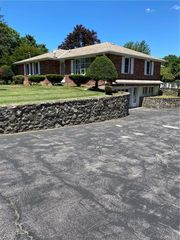 2192 State Route 300, Wallkill, NY 12589