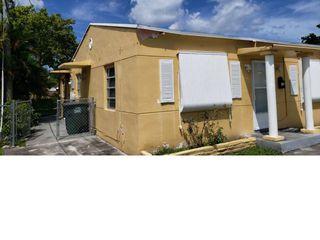 728 NE 5th St, Hallandale Beach, FL 33009