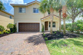 152 Two Pine Dr, West Palm Beach, FL 33413