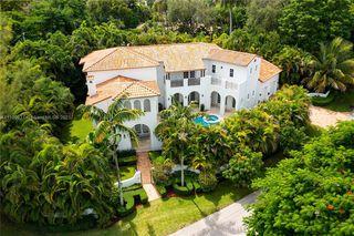 200 Ridgewood Rd, Miami, FL 33133