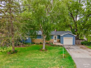 3802 W Clover Ave, Mchenry, IL 60050