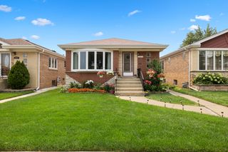 6961 W Leland Ave, Harwood Heights, IL 60706