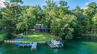 203 Pearly Dr, Eclectic, AL 36026