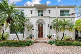 6146 Pine Tree Dr, Miami Beach, FL 33140
