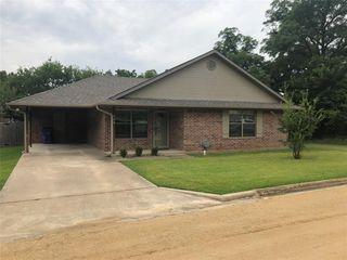 204 2nd St, Whitesboro, TX 76273