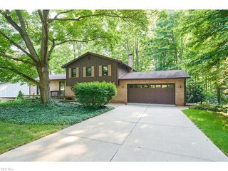 865 Old Spring Rd, Akron, OH 44321