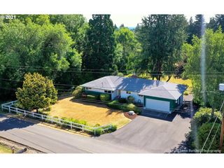 58054 Fisher Ln, Saint Helens, OR 97051