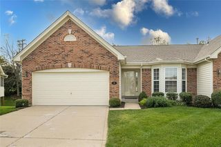 8 Bently Circle Ct, Chesterfield, MO 63017