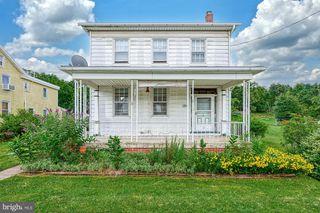284 S York St, Etters, PA 17319