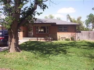 1215 N Fairview Ave, Liberal, KS 67901