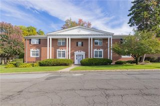 8 Somerset Dr #26P, Suffern, NY 10901